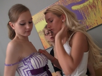 Annet : Lesbian lady watches teen coeds pleasing each other. : sex scene #12